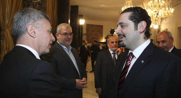Lebanon's Prime Minister Saad al-Hariri (R) chats with Lebanese Christian politician and leader of the Marada movement Suleiman Franjieh (L) as Head of Hezbollah's parliamentary bloc Mohamed Raad (2nd L), MP Assaad Hardan (C) and Lebanon's Parliament Speaker Nabih Berri listen to them during a new session of the national dialogue between political leaders at the Presidential Palace in Baabda, near Beirut April 15, 2010. REUTERS/Dalati Nohra/Handout