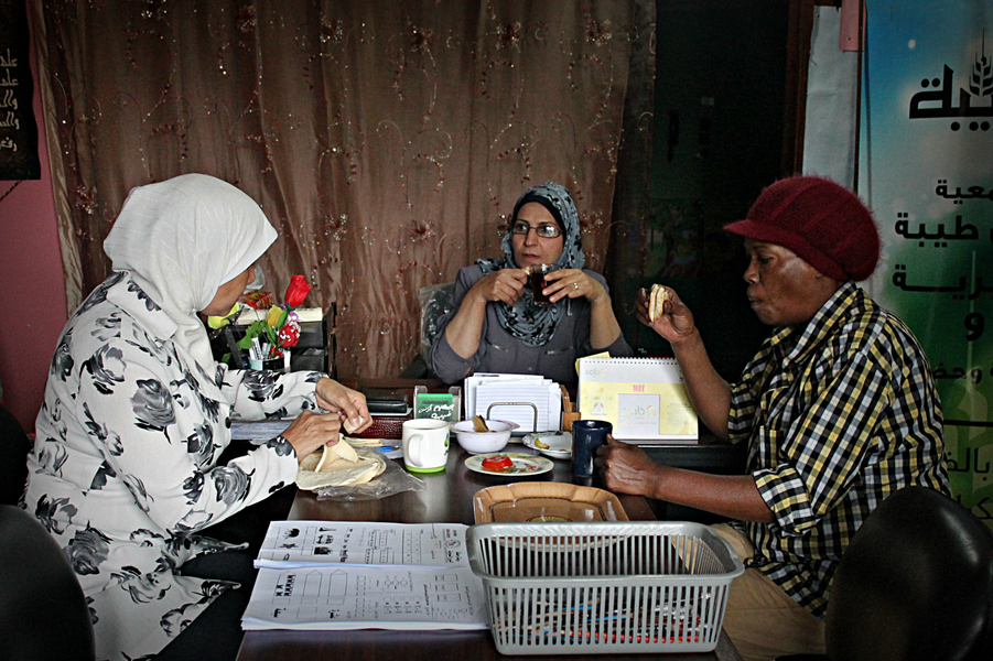 Salwa shares the breakfast with her fellow teachers in the kindergarten. Credit: Asmaa Elkhaldi/The Turban Times
